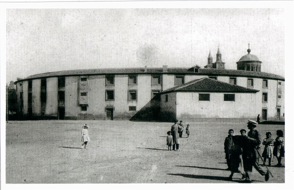 01. Plaza de toros antiga